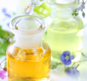 doTERRAのエッセンシャルオイルは、今日手に入るオイルの中で最も安全、純粋で体に優しいものです。植物から細心の注意を払い抽出した100%純粋な自然の芳香性有機化合物です。